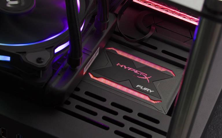 Novos itens com iluminação RGB da HyperX