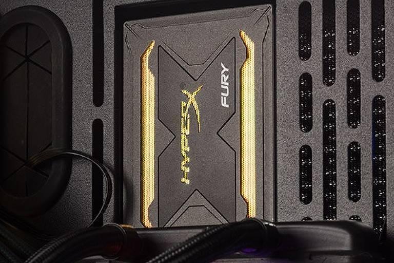 HyperX lança novos itens com iluminação RGB