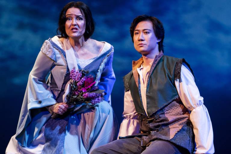 Rosana Lamosa e Yunpeng Wang em cena da ópera