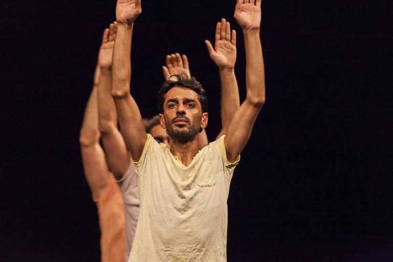 "Espetáculo ""Displacement"", do sírio radicado na França Mithkal Alzghair"