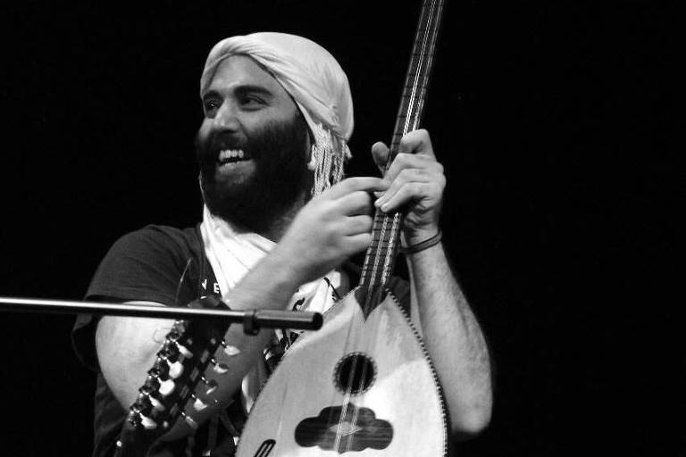 O multi-instrumentista palestino Yousef Saif