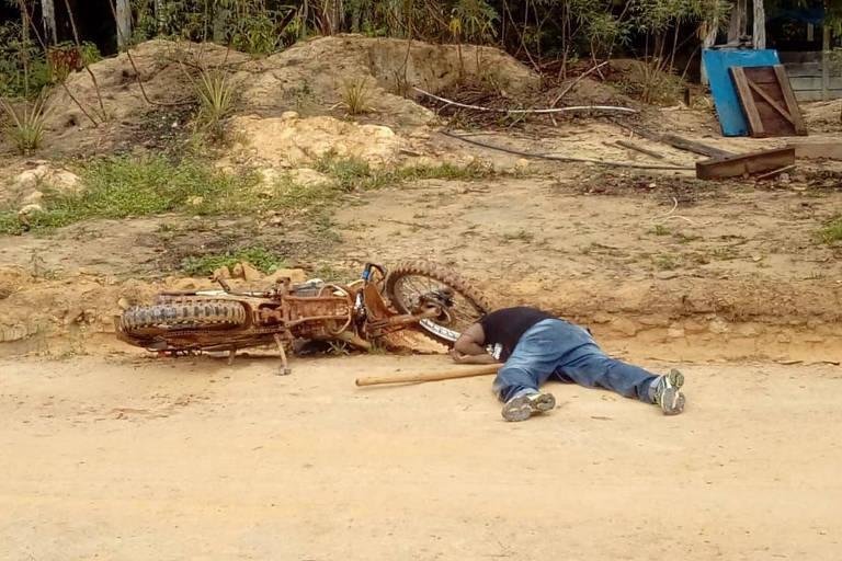 Homem morto após ataque de grupo à base da Funai em região de índios isolados, perto de Colniza (MT); região tem sido alvo de madeireiros