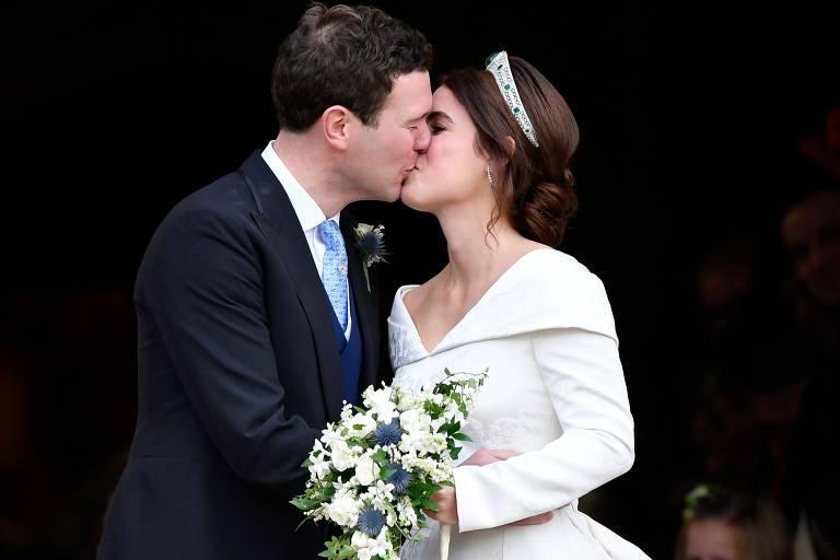 Princesa Eugenie e Jack Brooksbank se casam na capela de São Jorge, no Castelo de Windsor