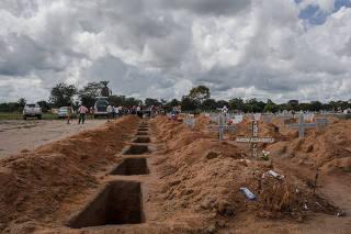 Vítimas de matança em fazenda são enterradas em Redenção/PA
