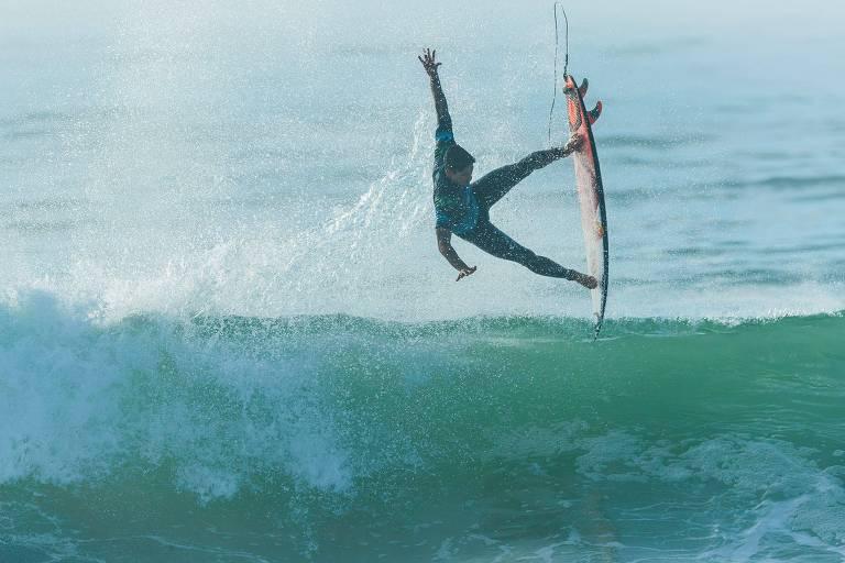 Gabriel Medina durante a etapa da França da Liga Mundial de Surfe, nesta sexta