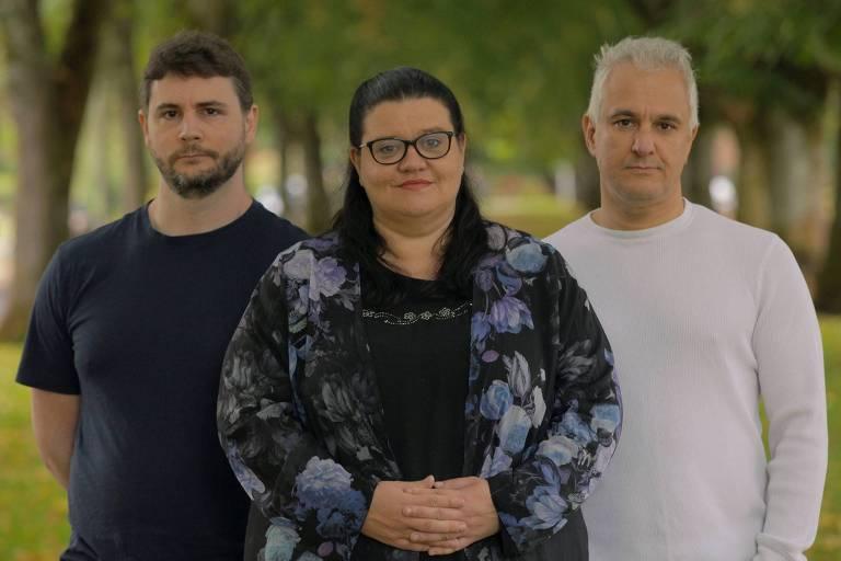 James Lindsay, Helen Pluckrose e Peter Boghossian, que criaram 20 artigos falsos e os submeteram a revistas de estudos de minorias