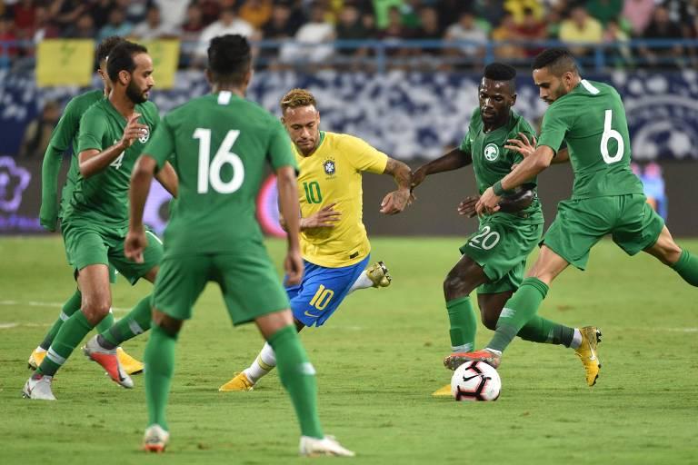 Neymar durante amistoso com a Arábia Saudita; seleção venceu por 2 a 0