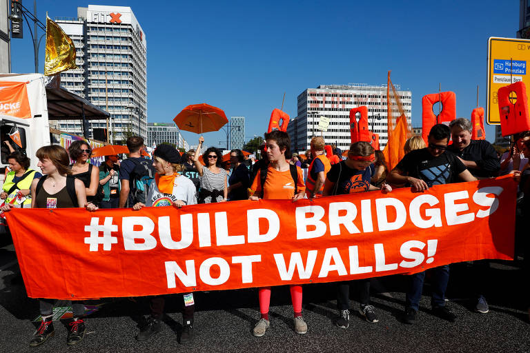 Protesto contra intolerância em Berlim
