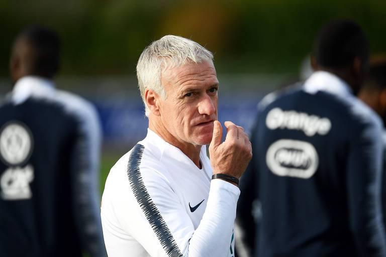 Treinador Didier Deschamps durante treino da seleção francesa