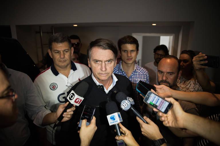 O candidato à Presidência Jair Bolsonaro em entrevista após gravação de programa eleitoral no Jardim Botânico, Rio de Janeiro.
