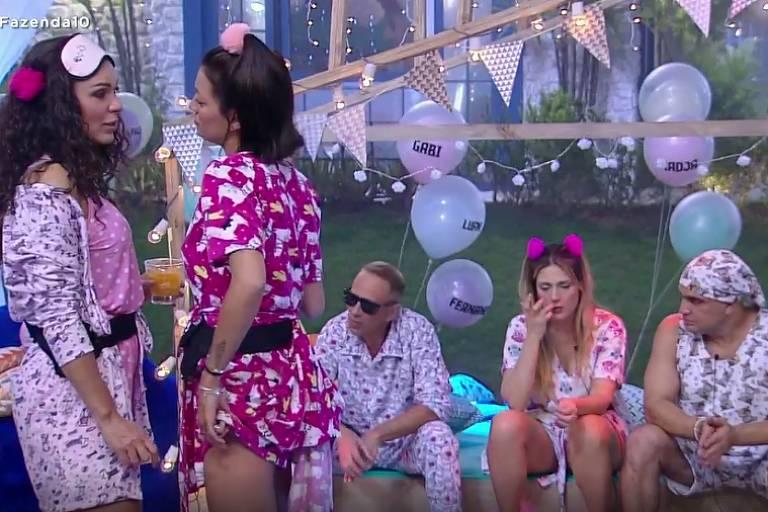 Fernanda Lacerda e Gabi Prado falam mal de Catia Paganote