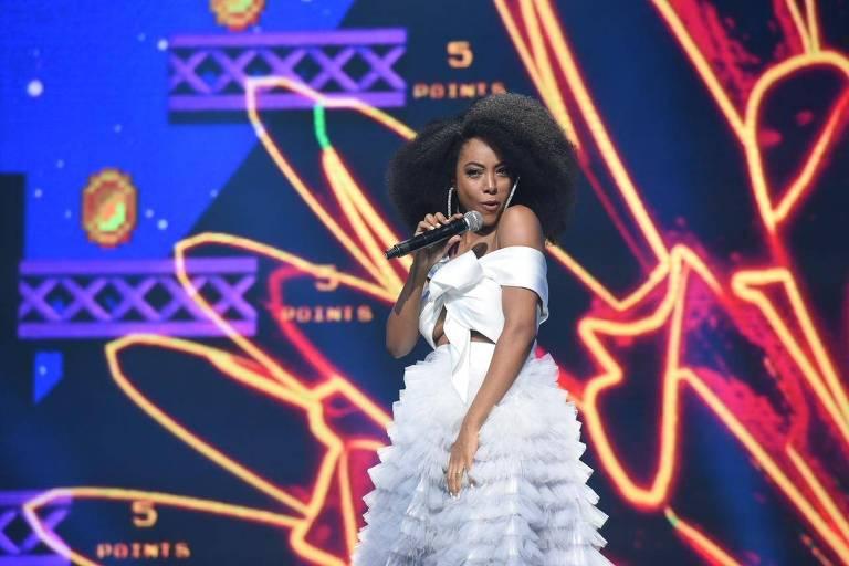 """A cantora Negra Li, que lançou seu novo single """"Malandro Chora"""" no concurso"""