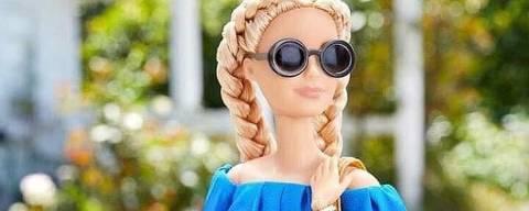 imagens da barbie se espalharam na rede com a boneca fazendo proselitismo