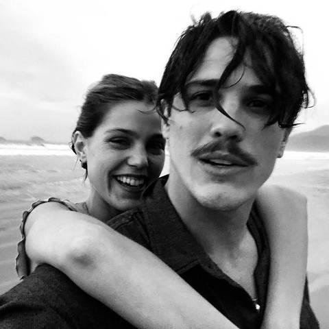 Pâmela Tomé assume namoro com Rômulo Arantes Neto
