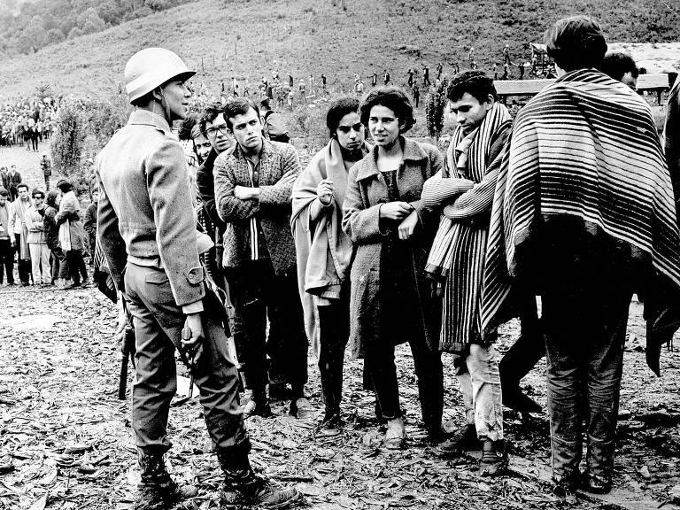 1968: Líderes universitários são presos em Congresso da UNE em Ibiúna