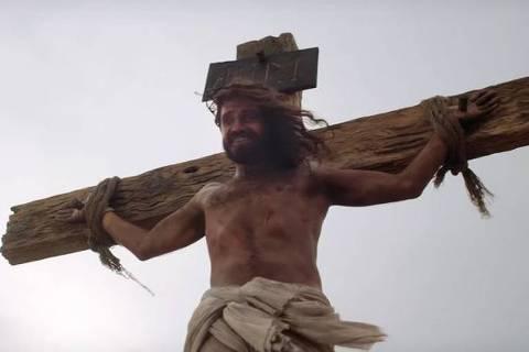 Cena de propaganda australiana de doação de órgãos com Jesus Cristo