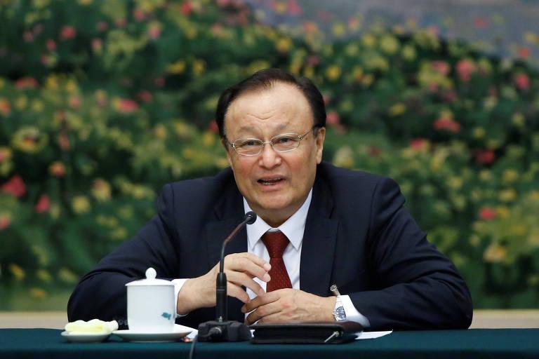 Shohrat Zakir, governador de Xinjiang, onde vivem os uigures, durante evento em Pequim