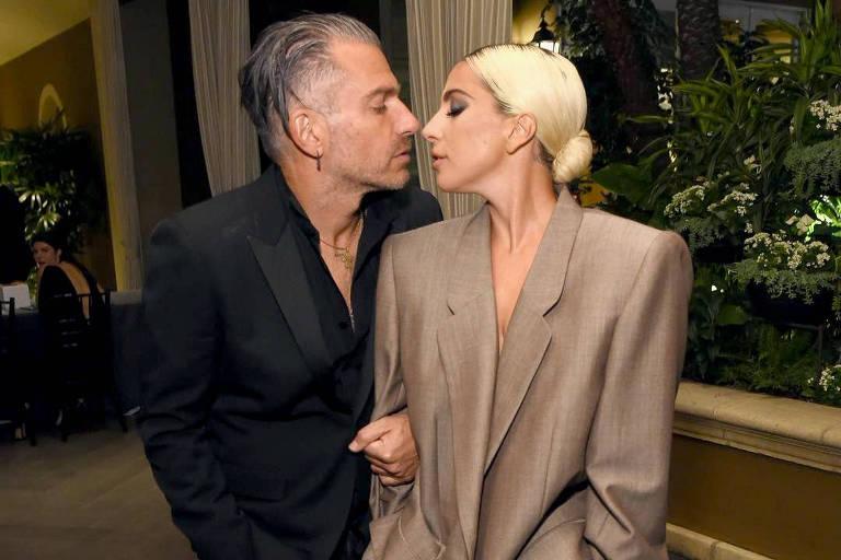 Lady Gaga com o noivo, Christian Carino
