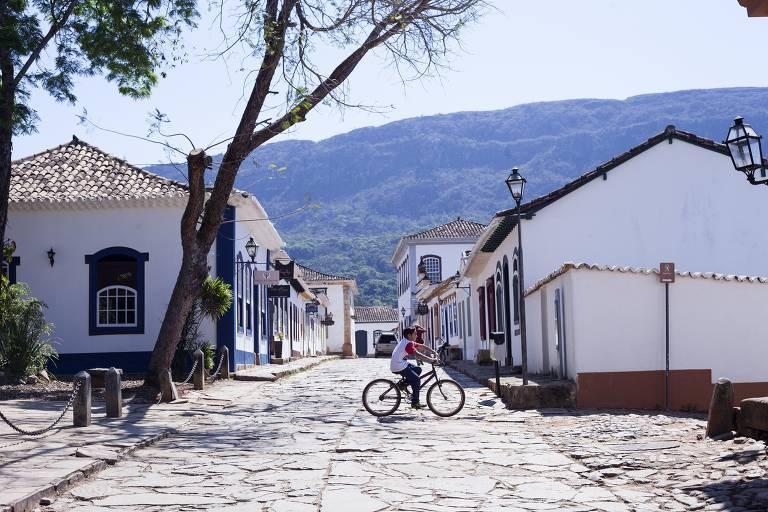 Rua em Tiradentes (MG), que recebe a segunda edição da Semana Criativa entre os dias 18 e 21 de outubro; evento promove encontro entre designers e artesãos