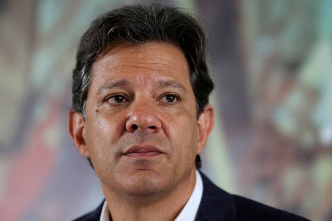 Fernando Haddad, presidential candidate of Brazil's leftist Workers' Party (PT), attends a meeting with evangelical pastors in Sao Paulo, Brazil October 17, 2018. REUTERS/Amanda Perobelli ORG XMIT: GGGSMS207