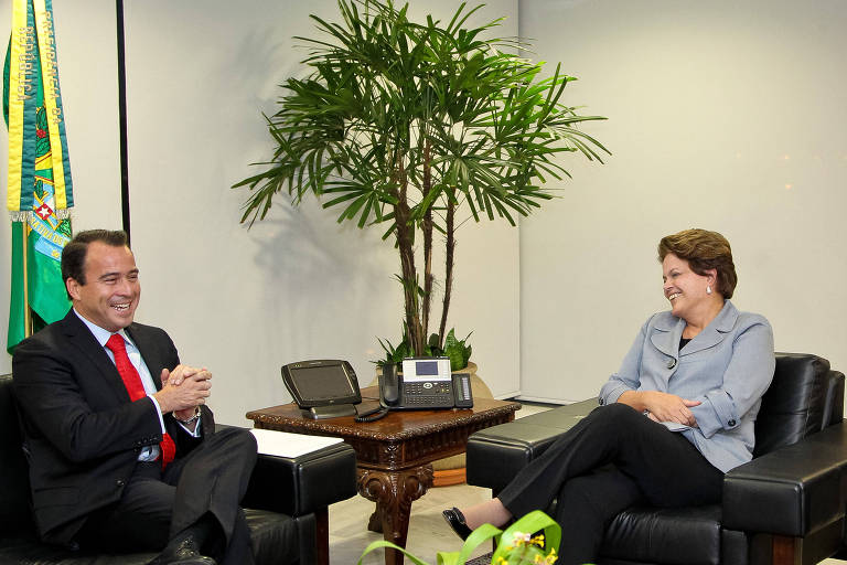 Ex-presidente Dilma Rousseff e Alexandre Camanho