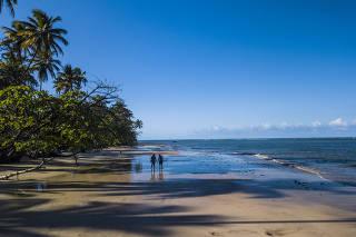 Praia da Cueira, na ilha de Boibepa, na Bahia