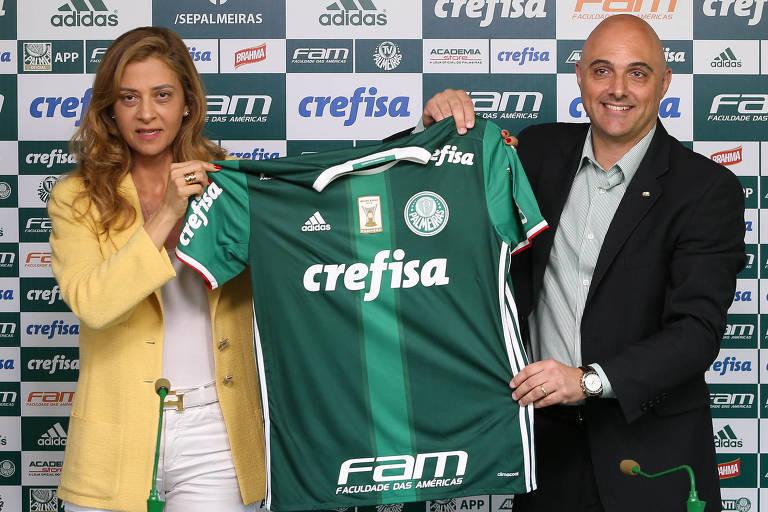 Presidente Mauricio Galiotte durante renovação de contrato com a Crefisa, presidida por Leila Pereira