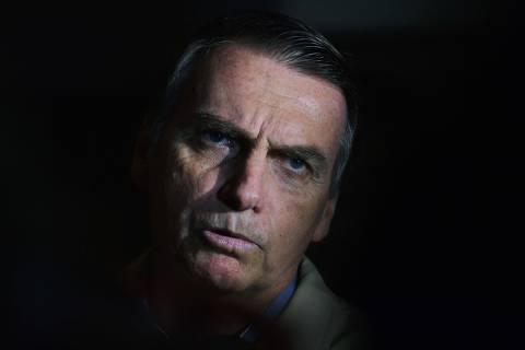 TSE abre investigação sobre Bolsonaro e compra de mensagens anti-PT