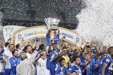 SAO PAULO, SP, BRASIL. 17-10-2018. COPA DO BRASIL - Corinthians e Cruzeiro pela segunda partida da final da Copa do Brasil na Arena Corinthians. Lance duvidoso na area do Corinthians (foto: Rubens Cavallari/Folhapress) ORG XMIT: ed-Ed012132--enviar003.jpg ***PARCEIRO FOLHAPRESS - FOTO COM CUSTO EXTRA E CRÉDITOS OBRIGATÓRIOS***