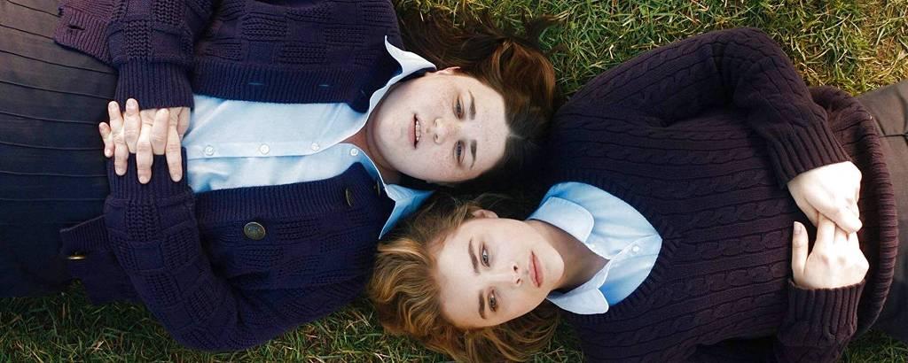 Melanie Ehrlich e Chloë Grace Moretz em cena de 'The Miseducation of Cameron Post', um dos filmes sobre fundamentalismo religioso