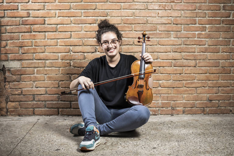 Violinista Nathalia Oliveira