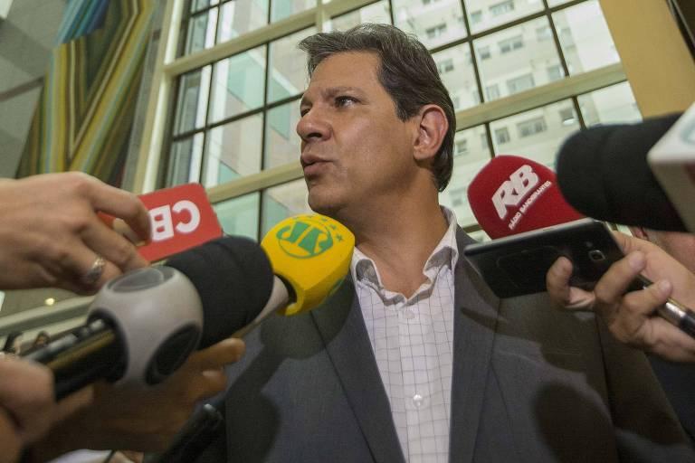Candidato Fernando Haddad se encontra com intelectuais no Hotel Matsubara