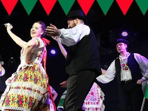 Apresentação de dança do grupo Pántlika
