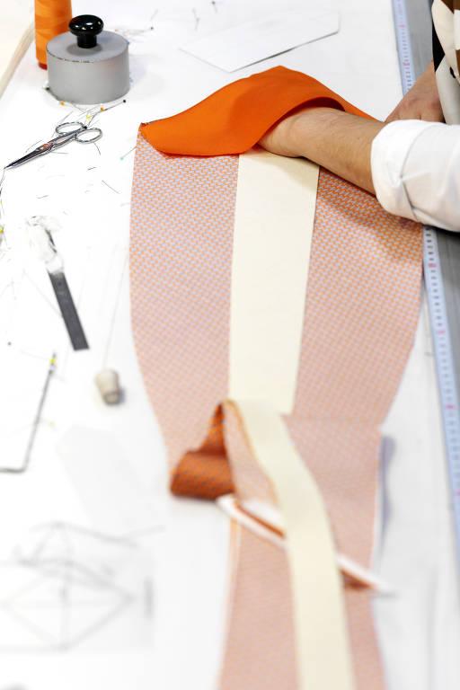 Gravata Hermès - 10 02 2019 - Ilustrada - Fotografia - Folha de S.Paulo 9f3906faa9