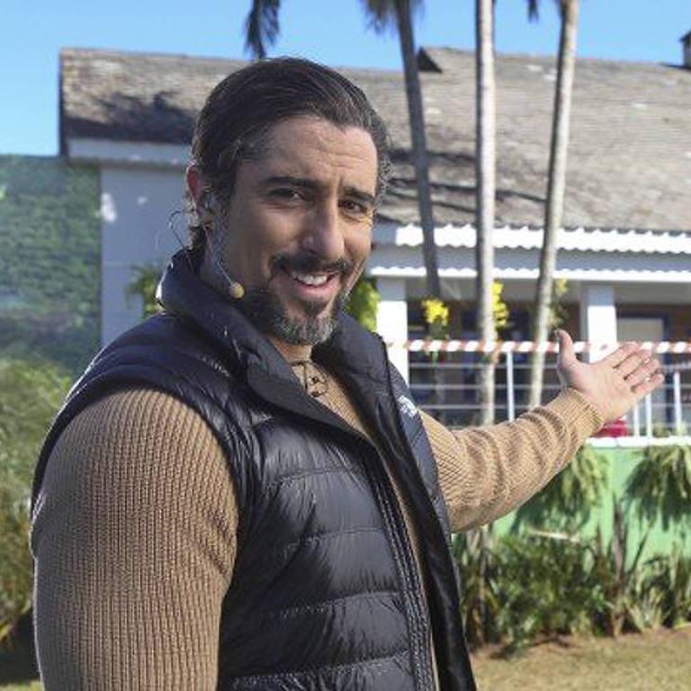 Marcos Mion apresenta a casa do reality 'A Fazenda 2018'