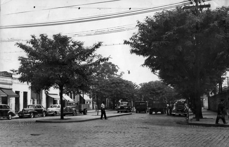 Resultado de imagem para fotografias antigas companhia city são paulo