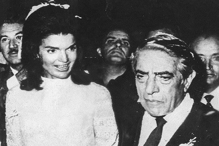O bilionário Aristóteles Onassis durante seu casamento com Jacqueline Kennedy em 1968