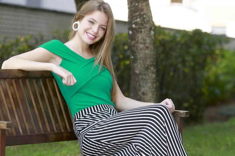 Modelo Mariana Pignatti veste a tendência