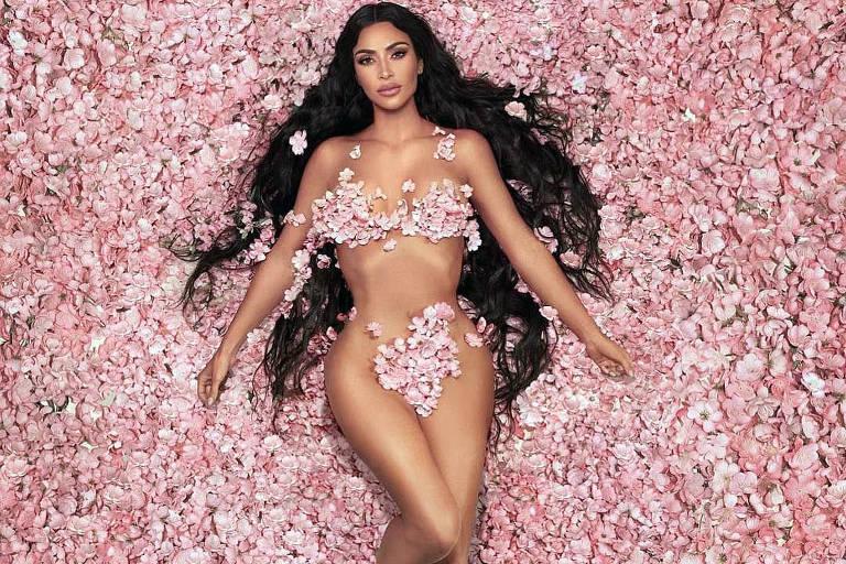 A socialite Kim Kardashian