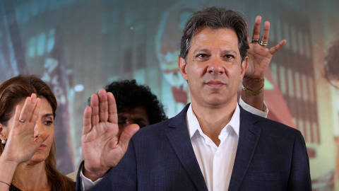 Fernando Haddad, presidential candidate of Brazil's leftist Workers' Party (PT), attends a meeting with evangelical pastors in Sao Paulo, Brazil October 17, 2018. REUTERS/Amanda Perobelli ORG XMIT: GGGSMS208