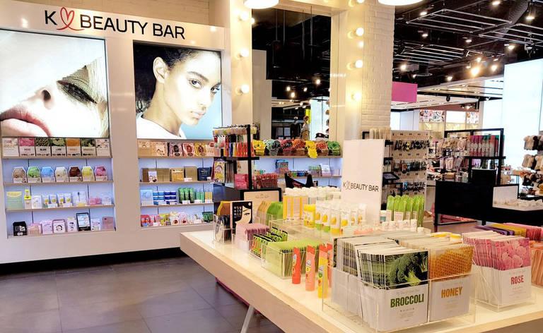 A rotina de beleza sul-coreana que transformou os cosméticos do país em febre mundial