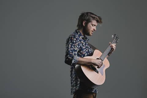 O músico português Tiago Nacarato, que se projetou no The Voice luso e finaliza primeira turnê no Brasil