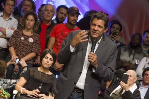 PODER - SAO PAULO -  O candidato Fernando Haddad participa do Ato Haddad Sim Todas e Todos pela Democracia, no Tuca, 22/10/2018  - FOTO Marlene Bergamo/Folhapress - 017 - SELENE 564450