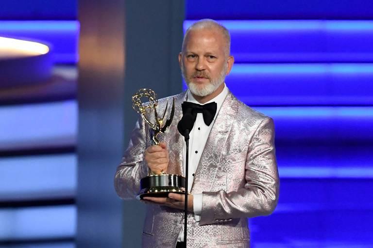 Ryan Murphy ao receber um Emmy especial
