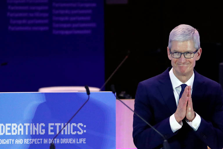 Tim Cook, presidente-executivo da Apple; ele declarou ser gay em 2014