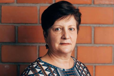 São Paulo, SP, Brasil, 19-10-2018: Tamara Roman, 64, arquiteta, adora atividades físicas, mas é exagerada e às vezes se machuca. Caderno sobre dor. (foto Gabriel Cabral/Folhapress)