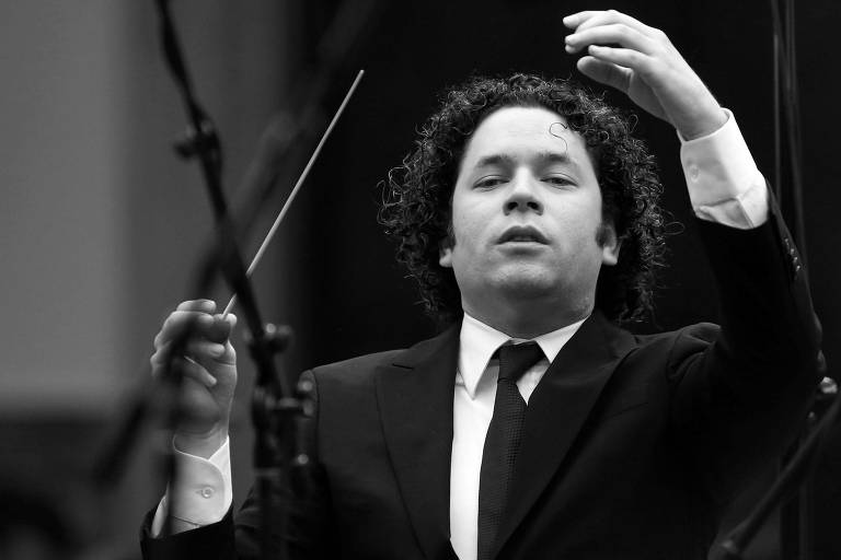 Gustavo Dudamel durante apresentação em Caracas, em fevereiro de 2014