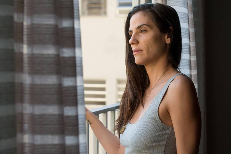 """Rafaela Mandelli em cena do filme """"Intimidade entre Estranhos"""""""
