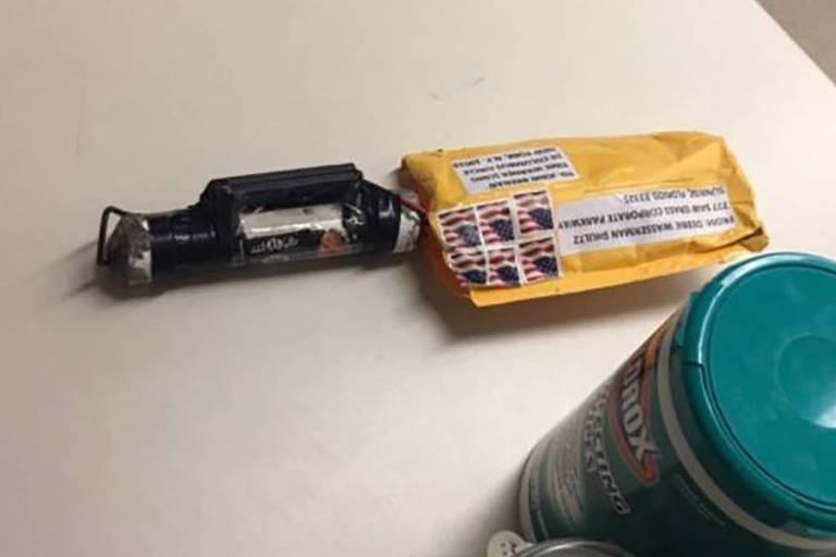 Pacote e artefato enviados para a Redação de Nova York da rede de TV CNN