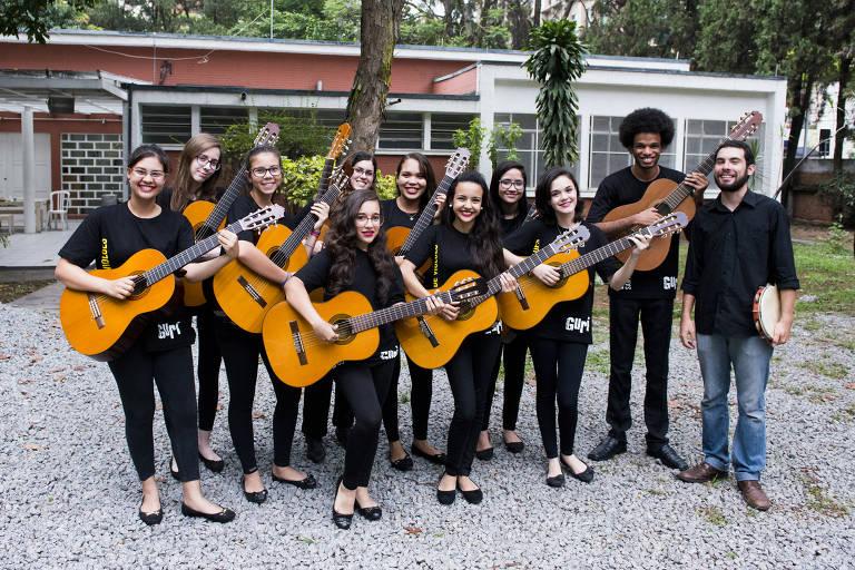 Alunos do Projeto Guri tocam disco de Chico Buarque e Edu Lobo em show no centro de SP